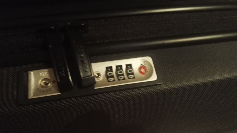medium resolution of bought new tsa suitcase it s locked itself how to open it