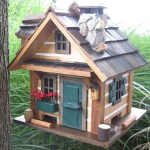 Country Bird Feeder