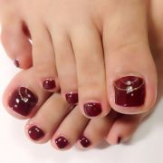 sexy red toes with