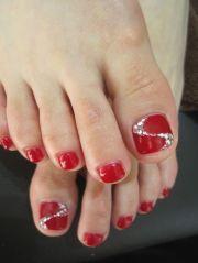 cute toe nail design winter
