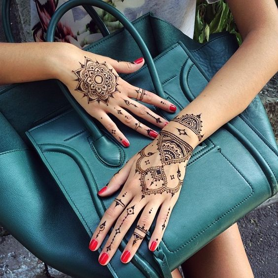 20 Henna On Tattoos Hand Mavndala Ideas And Designs