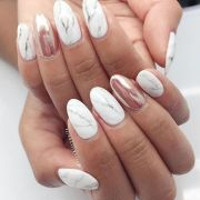 fashionable marble nail art