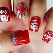 ultimate christmas manicure