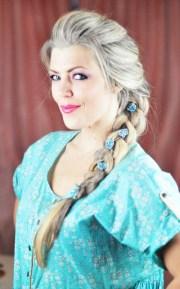 diy elsa french braid hairstyle