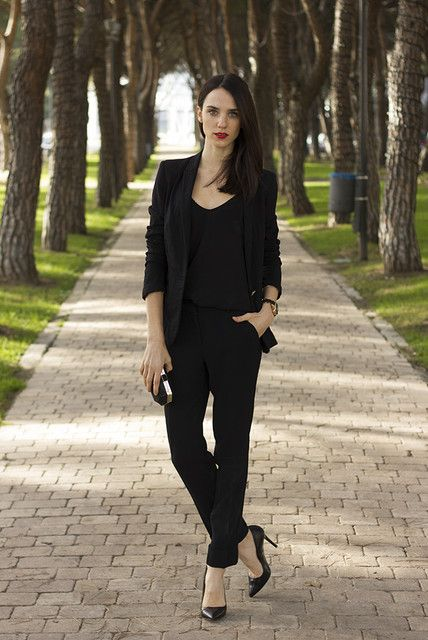 Picture Of Hot Total Black Looks For Office 1