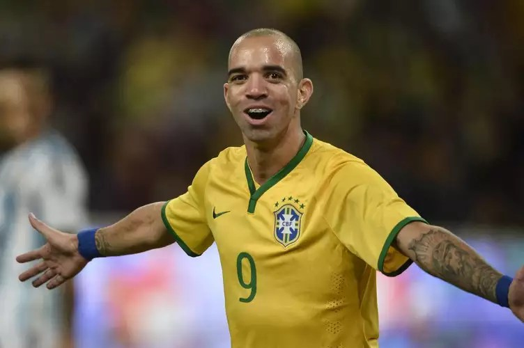 Diego Tardelli - Scored the two goals in the vit
