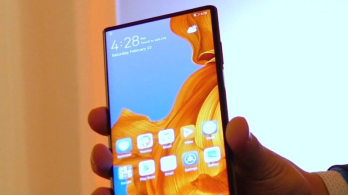 Katlanabilir telefon Huawei Mate X tanıtıldı!