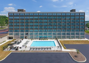 Holiday Inn Express Hotel Hotels Near Amtrak Station
