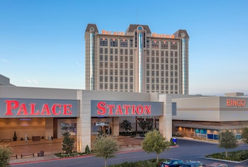 Airport Hotels Near Stratosphere Tower In Las Vegas From 37