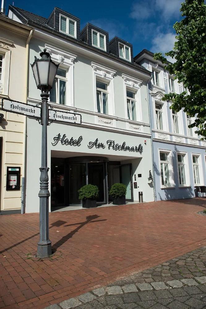 Hotel Am Fischmarkt Rheinberg De Reservations Com