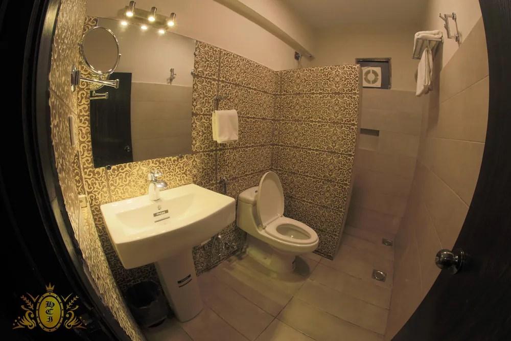 Hotel Crown Inn Karachi Pk Reservations Com