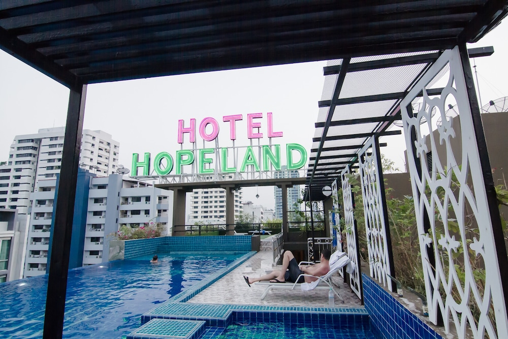 Hope Land Hotel Sukhumvit 8 Qantas Hotels