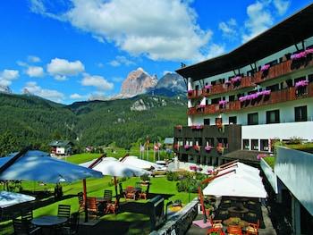 Piano terra, tutto in legno. Top 20 Best Hotels Near Lake Sorapiss Cortina D Ampezzo Italy Reservations Com