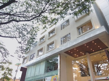 Oyo Rooms Hotels Near Freedom Park In Bangalore India