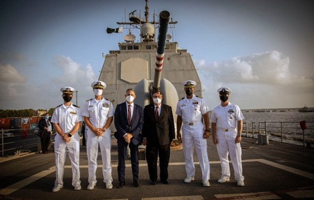 The US guided-missile cruiser USS Monterey (CG 61) at a scheduled sustainment and logistics port visit to Karachi. PHOTO: US Mission Pakistan