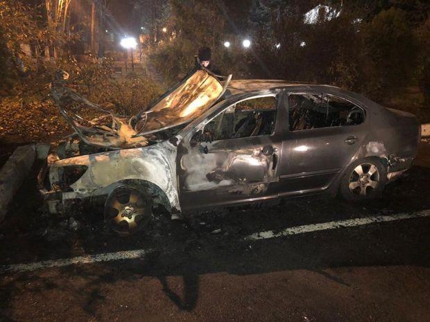 Невідомий спалив авто начальника Одеської митниці