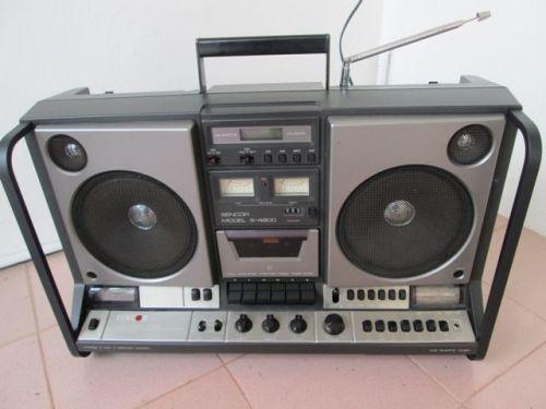 vintage fm radio boombox