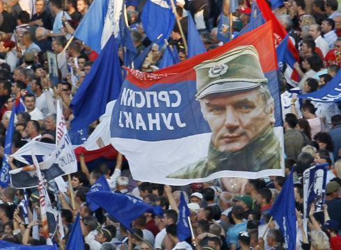 https://i0.wp.com/i.usatoday.net/news/_photos/2011/05/29/mladic-arrest-serbia-protest-2Q541LR-x-large.jpg