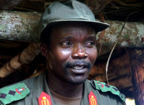 https://i0.wp.com/i.usatoday.net/news/_photos/2012/03/08/Timing-of-Kony-2012-viral-video-stirs-debate-OQ1469T3-x-large.jpg