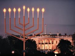 https://i0.wp.com/i.usatoday.net/yourlife/_photos/2011/12/15/Hanukkah-celebrates-tradition-C6NAUJT-x.jpg