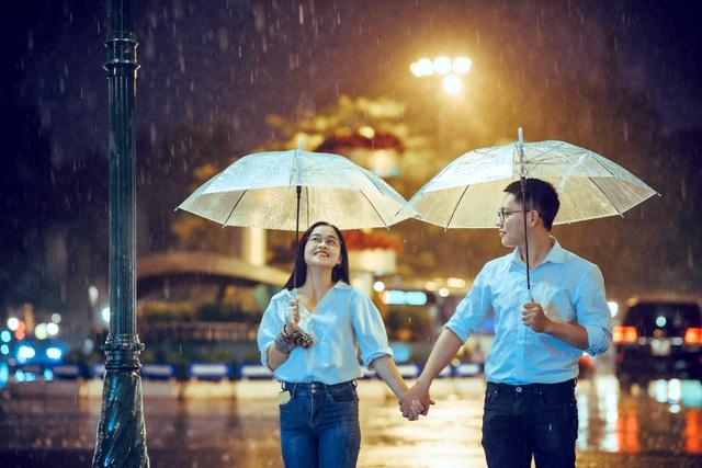 Ngắm Hà Nội lãng mạn trong mưa qua bộ ảnh của cặp đôi trẻ - Hình 8