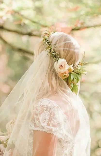 25 Stunning Spring Flower Crown Ideas For Brides