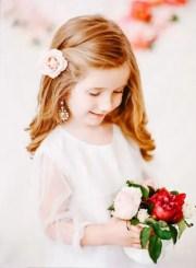 super cute flower girl hairstyle