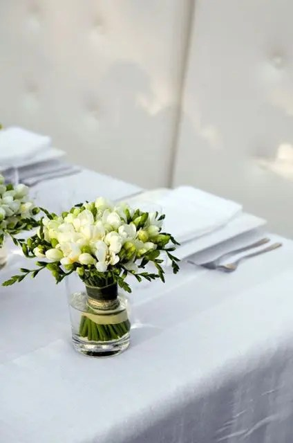 21 Charming Ideas To Incorporate Freesias Into Your Wedding  Weddingomania