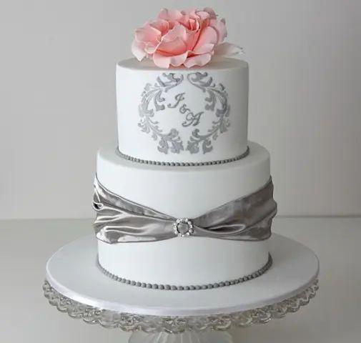 monogrammed cakes