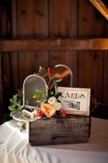 26 Charming Mailbox Wedding Décor Ideas Weddingomania