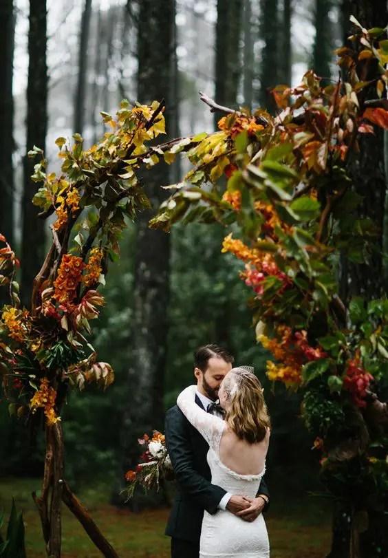 27 Fall Wedding Arches That Will Make You Say I Do  Weddingomania