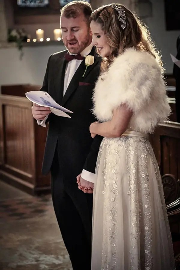 white fur stole to keep the outfit romantic