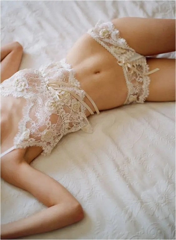 vintage ivory lingerie set with bows