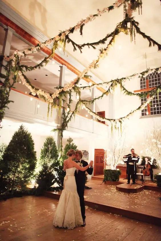 rustic farm table and chairs yoli linens chair covers 33 cozy evergreen winter wedding décor ideas - weddingomania