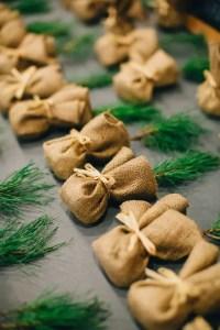 33 Cozy Evergreen Winter Wedding Dcor Ideas - Weddingomania