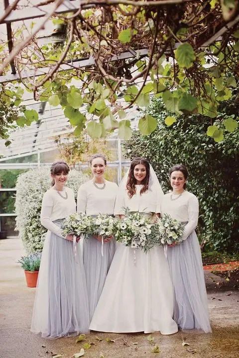 33 Gorgeous Winter Bridesmaids Looks That Inspire