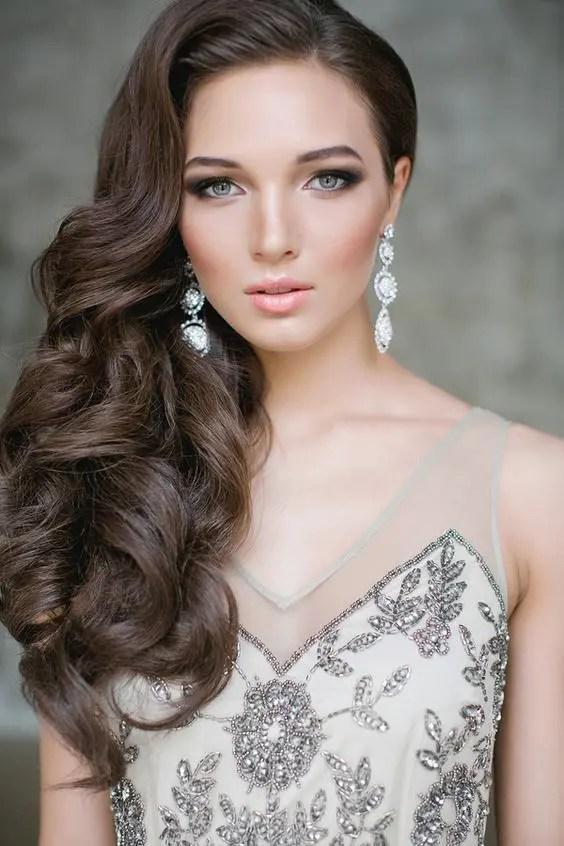 34 Elegant Side Swept Hairstyles You Should Try  Weddingomania