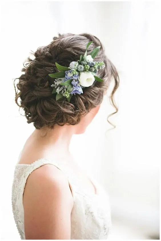 36 Romantic Spring Wedding Hairstyles That Inspire