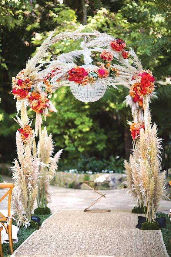 pop up chairs tulip dining room 42 ways to use pampas grass at your wedding - weddingomania