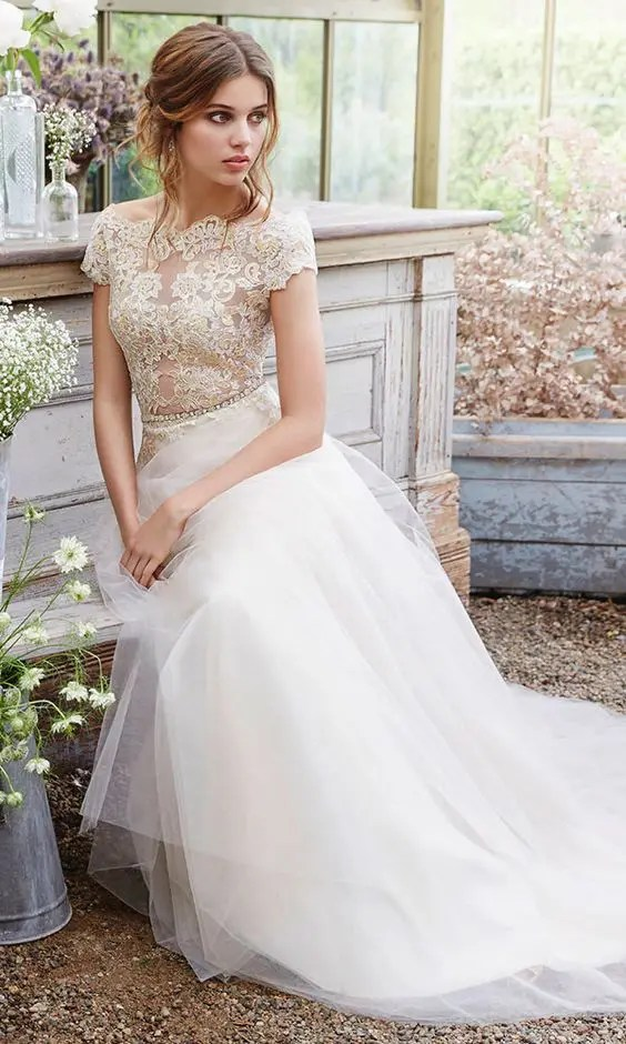 30 Beautiful Wedding Dresses With Cap Sleeves