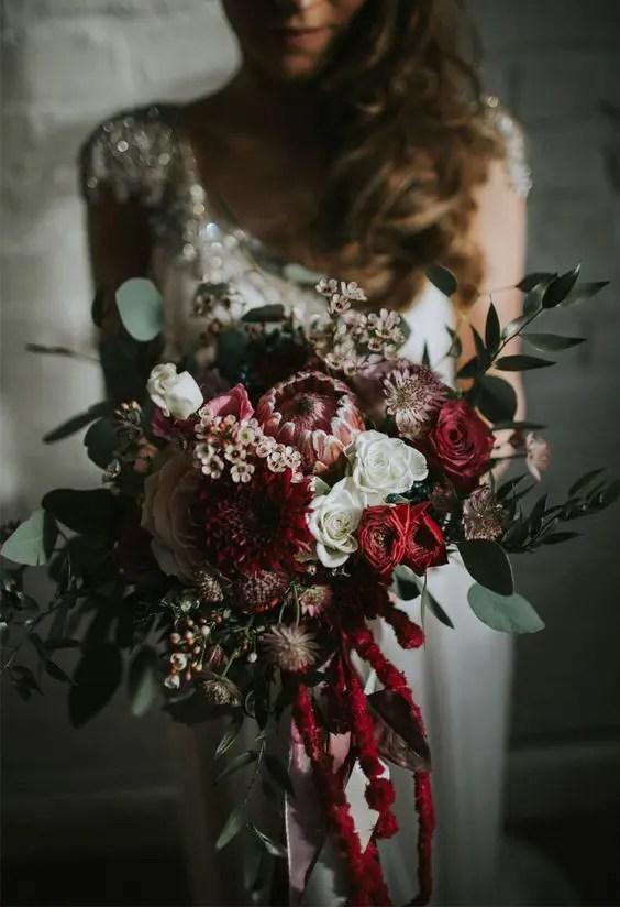 30 Winter Wedding Bouquets That Youll Love  Weddingomania