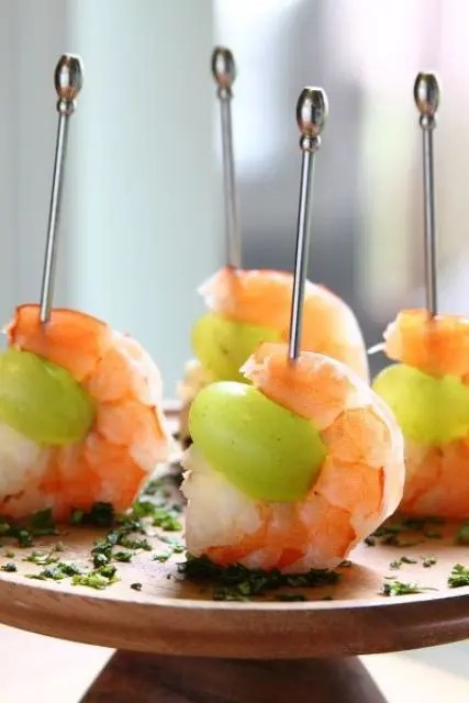 drunken grapes with wine poached shrimps on skewers is a great idea for sea food fans