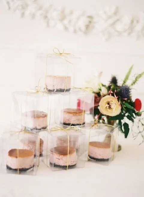 berry ice cream sandwiches in sheer boxes are a tasty and very modern and refreshing idea