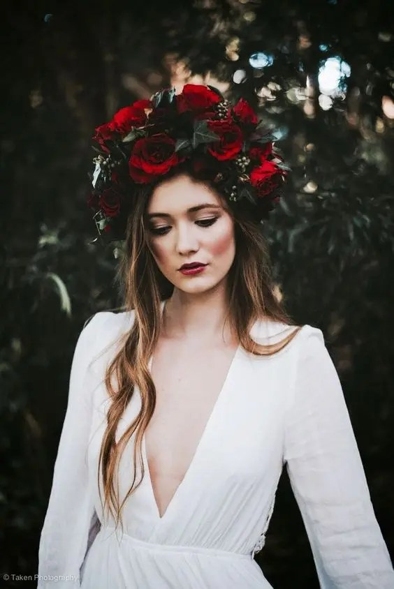 Hot Wedding Trend: 25 Oversized Floral Crowns