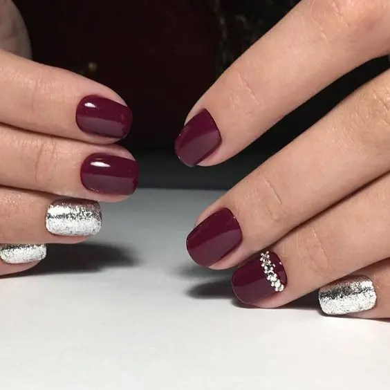 burgundy and silver glitter nails plus some jewels are amazing for winter holidays weddings
