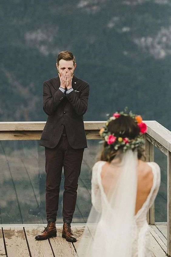 the first look is always a very touching moment, you can never go wrong with that