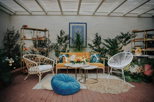 The lounge was sunny and boho just liek the rest of the wedding