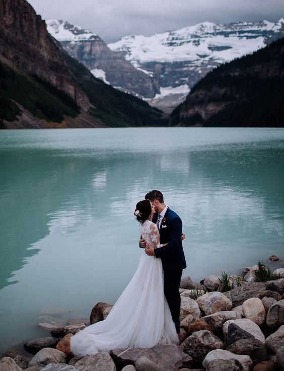 turquoise waters of this lake are fantastic as a backdrop for wedding portraits