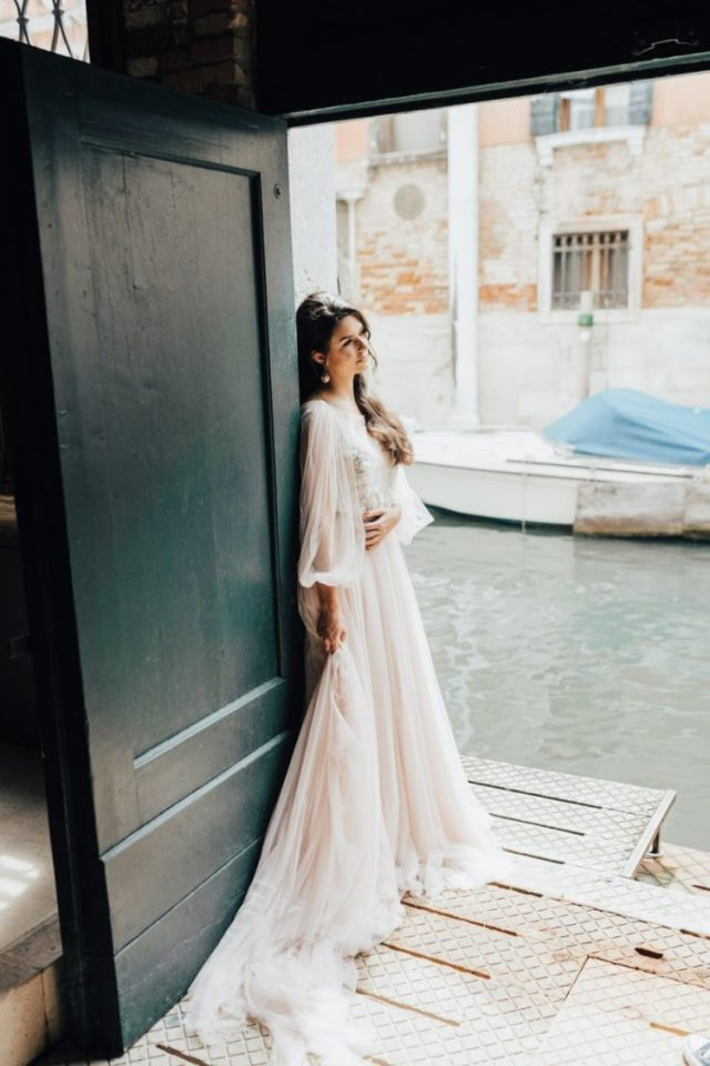 Intimate Venice Wedding With A Romantic Feel