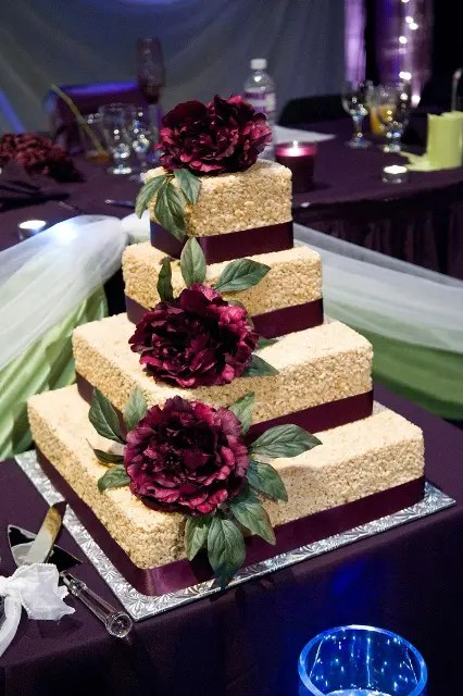 25 Tasty And Easy To Make Rice Krispie Wedding Cakes  Weddingomania
